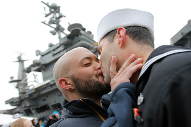 kiss Gay marines homecoming